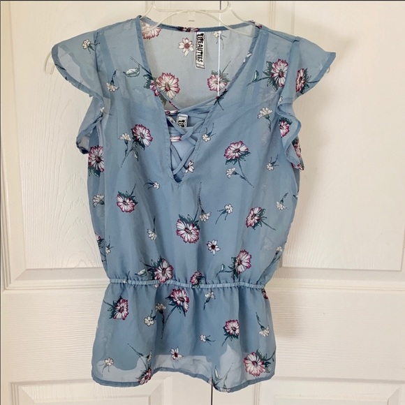 Beautees Tops - Light blue floral youth large